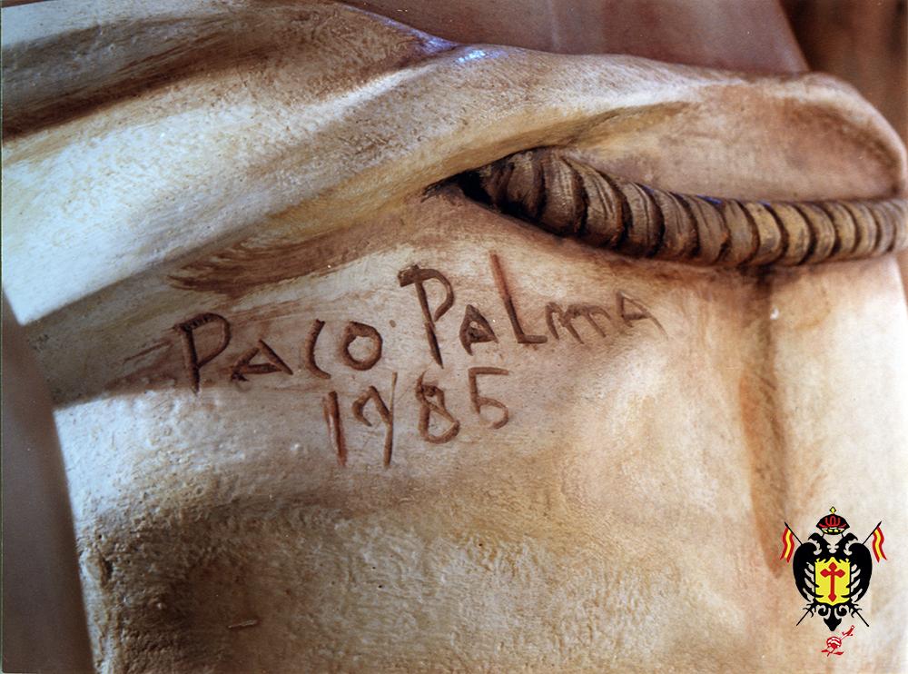 Firma de Francisco Palma Burgos grabada en el paño de pureza de la imagen.