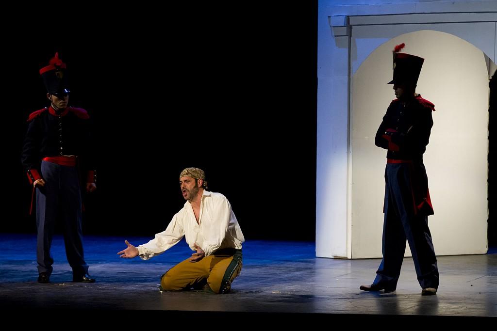 """Málaga 14/03/2013 Estreno absoluto de la ópera  """"Zamarrilla, bandolero"""" en el Teatro Cervantes. Una obra de Antonio Rozas Matabuena y cuyo protagonista es el barítono Antonio Torres."""